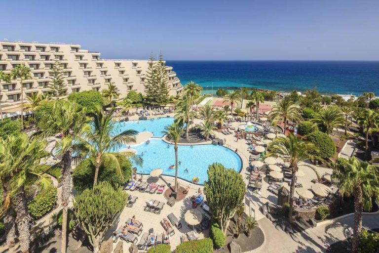excelente hotel con personal de animación en Lanzarote
