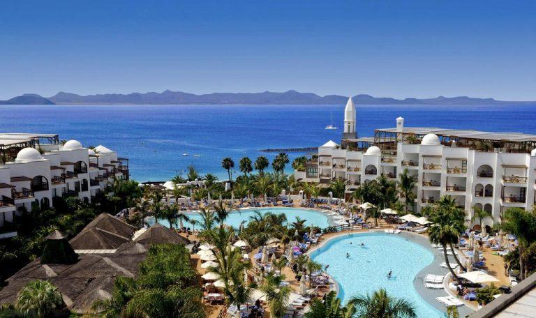 lujoso hotel para niños en Playa Blanca
