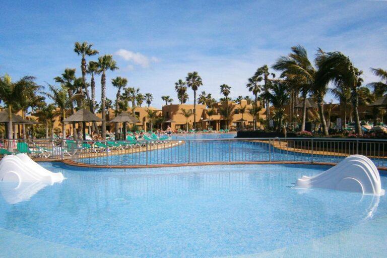 hotel familiar en fuerteventura con piscina para niños (7)
