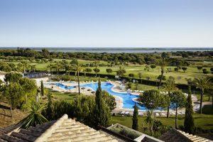 jardines y piscina de el rompido resort hotel